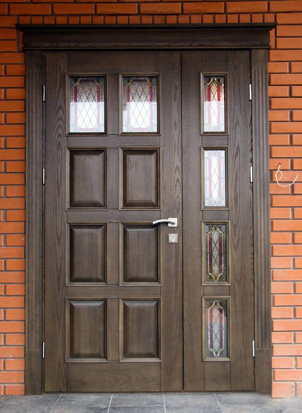 Утепленные деревянные двери для частного дома: конструкция, виды и материалы для входных