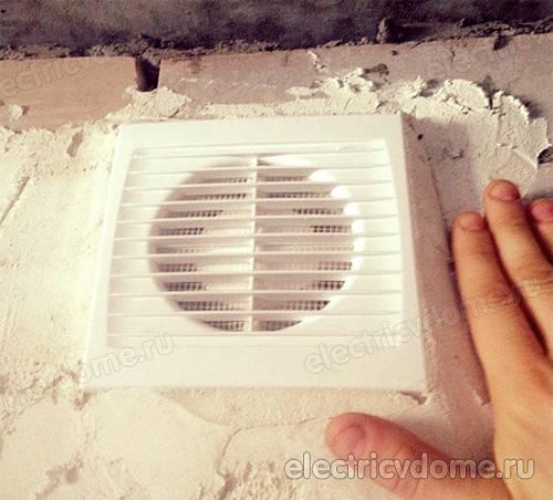 Установка вентилятора в ванной — нюансы и правила