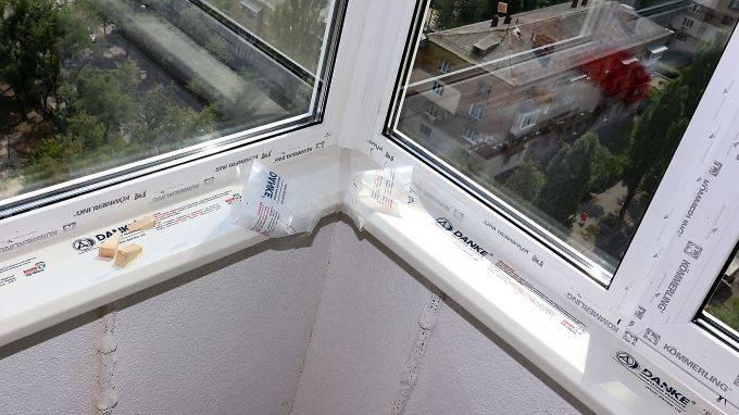 Виды и установка подоконника на балконе или лоджии своими руками: пошаговая инструкция
