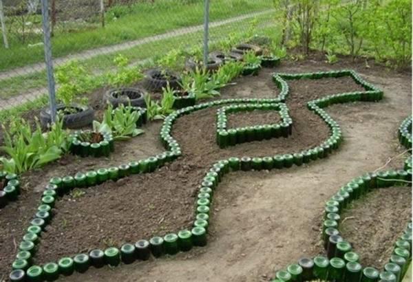 Интересные идеи поделки из пластиковых бутылок для сада и огорода с фото и описанием