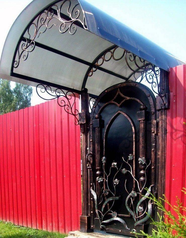 Лучшие варианты конструкций козырьков над дверью и способы монтажа - самстрой - строительство, дизайн, архитектура.