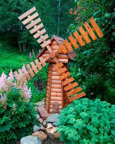 Как сконструировать декоративную мельницу из дерева своими руками