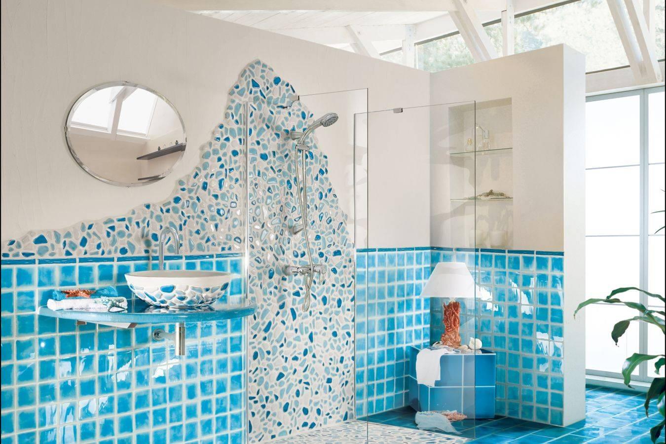 Плитка в гостиной (57 фото): напольная плитка в зале и зеркальная на стене в интерьере, дизайн красивой керамической и другой плитки. отзывы
