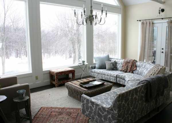 Панорамные окна в квартире в пол, дизайн квартир с панорамными окнами, варианты интерьера