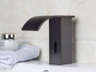 Черная раковина: умывальник темного цвета в ванной комнате, мойка из черно-белого керамогранита на кухне, отзывы владельцев