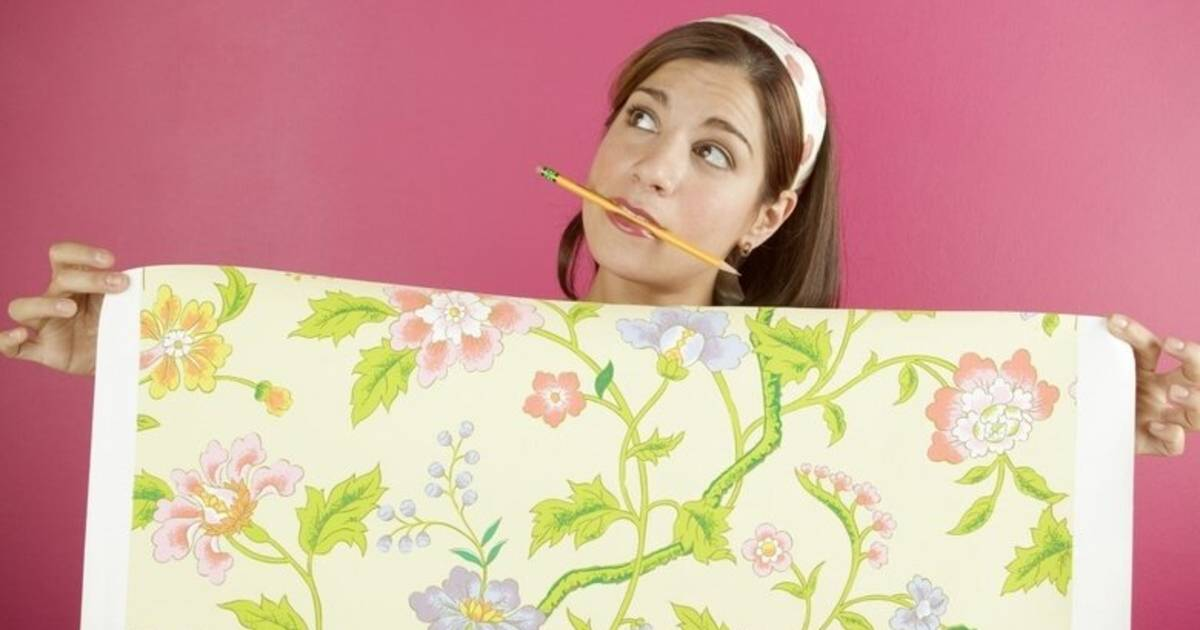Виниловые обои на флизелиновой основе – как правильно клеить на стены и потолок?