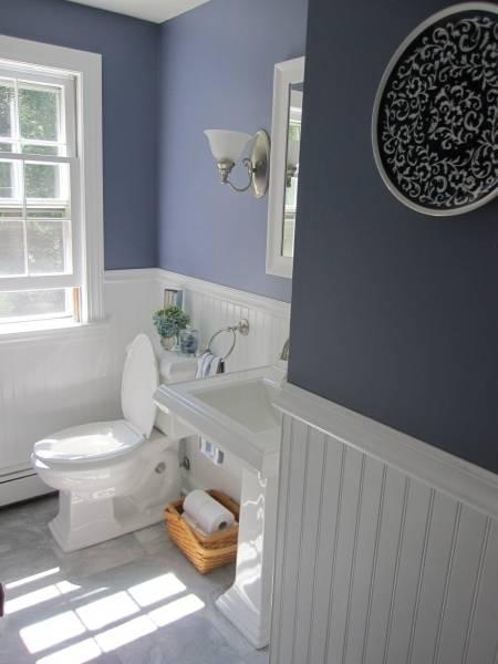 Отделка туалета пластиковыми панелями (80 фото): интересные идеи дизайна интерьера со стеновыми панелями из пвх, варианты обшивки стен маленького туалета в квартире