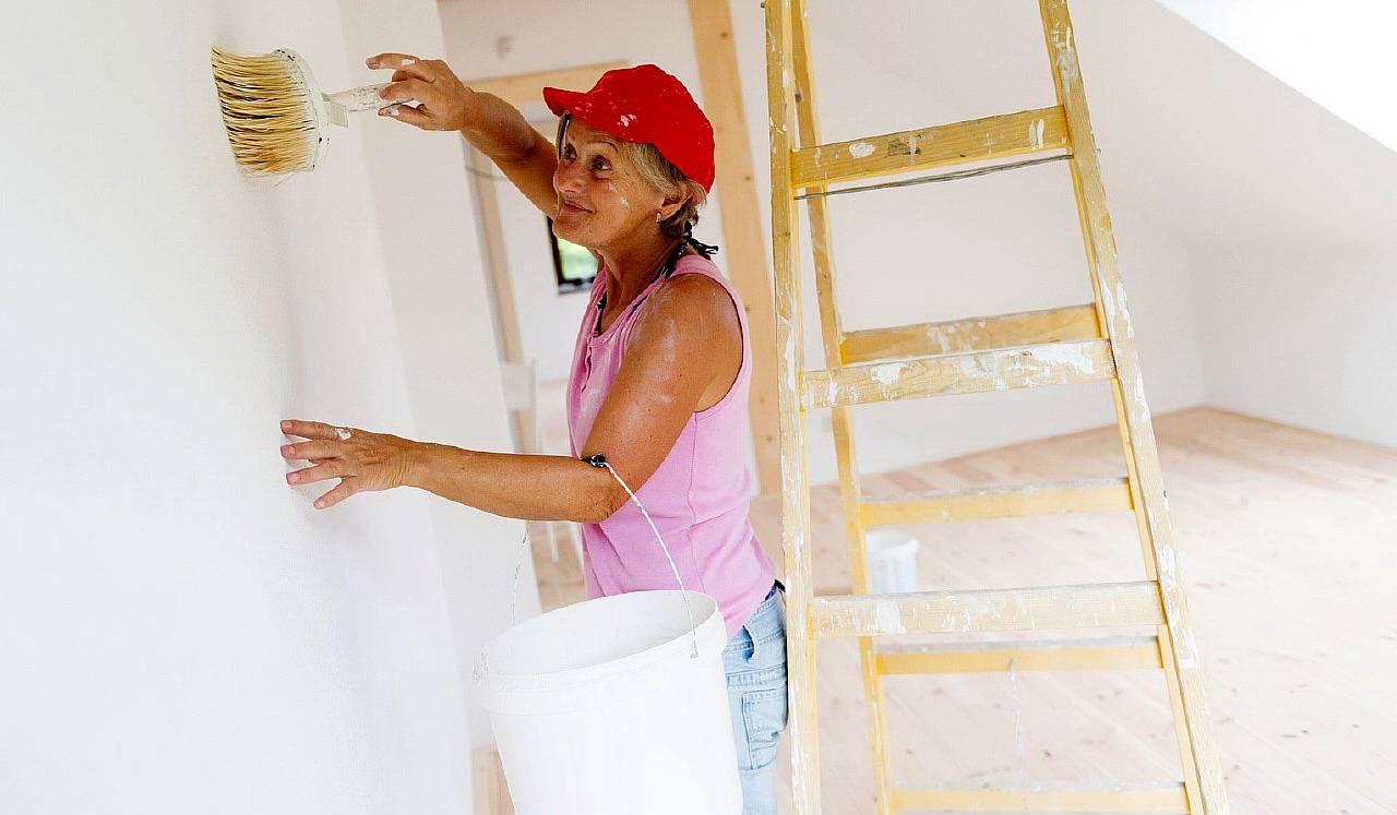 Нужно ли грунтовать стены перед шпаклевкой: обязательно ли обрабатывать стены перед финишной шпаклевкой, как правильно грунтовать, через какое время можно шпаклевать