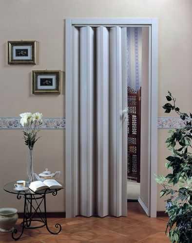 Двери раздвижные для гардеробной, характеристики разных моделей