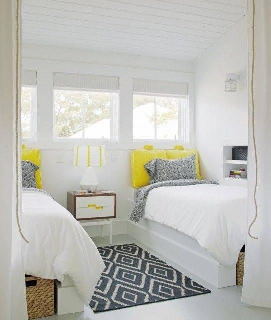 Как правильно поставить кровать в спальне? по фен-шуй, по сторонам света.