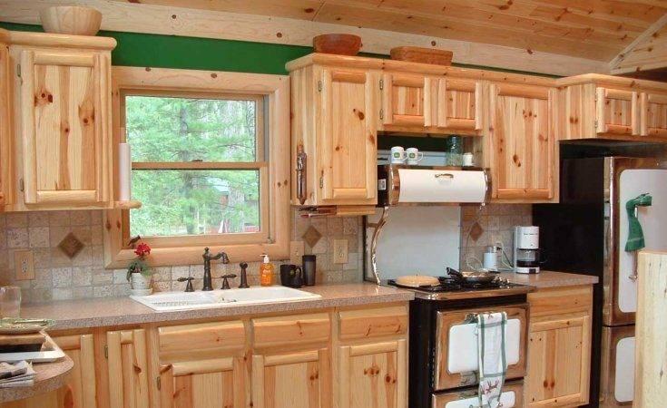 Сборка кухонной мебели: установка корпусной кухни на дому