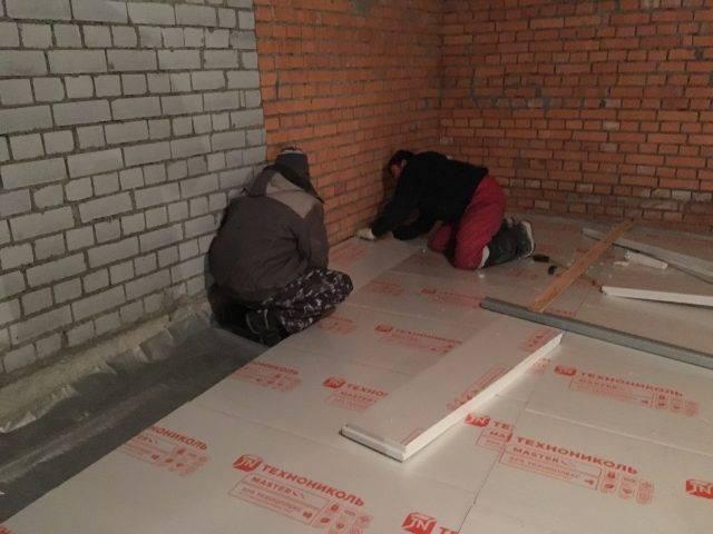 Утеплитель для пола по бетону: как и чем провести утепление бетонного основания в частном доме