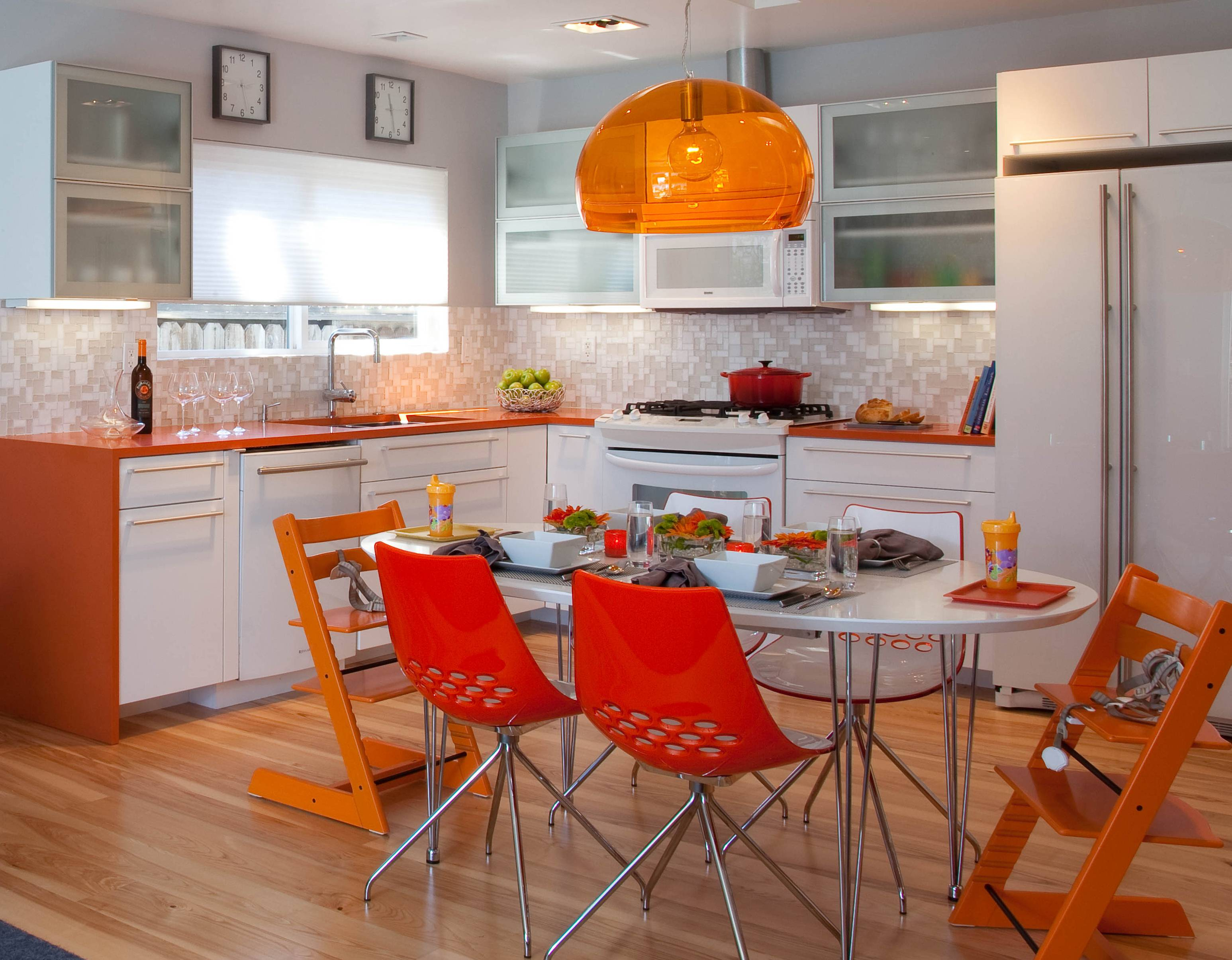 Шторы в оранжевый интерьер: 51 сочный дизайн