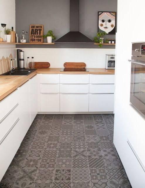 Напольная плитка для кухни и коридора (82 фото): как сделать переход плитки из кухни в прихожую? как выбрать недорогую плитку под ламинат и испанский керамогранит для пола?
