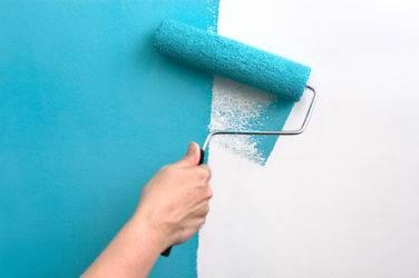 Как оригинально покрасить стены в два цвета?
