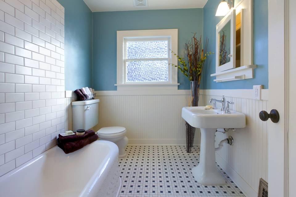 Линолеум в ванной: можно ли его стелить в этом помещении