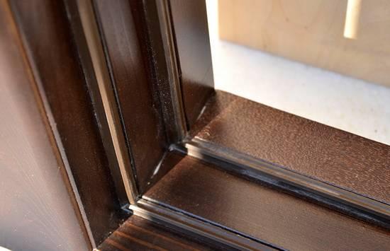 Как выбирать и клеить уплотнитель для дверей самоклеющийся