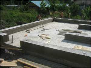 Толщина фундамента из плит: как сделать расчет, минимальные показатели по снип и сп, какая должна быть для двухэтажного дома из кирпича, туалета, бани, гаража