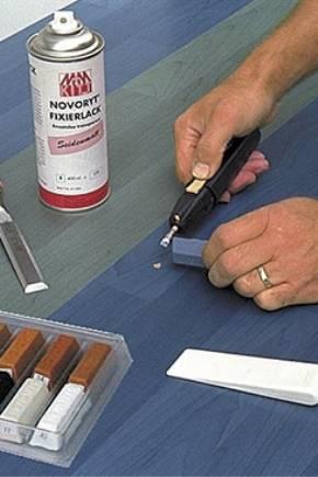 Как убрать царапины на ламинате (31 фото): чем заделать скол и как замазать, как можно его устранить подручными средствами