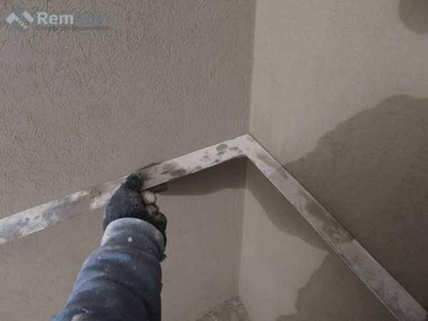 Штукатурка без маяков: как правильно своими руками провести выравнивание стен с помощью лазерного уровня, правила, гипсового материала, а также советы новичкам