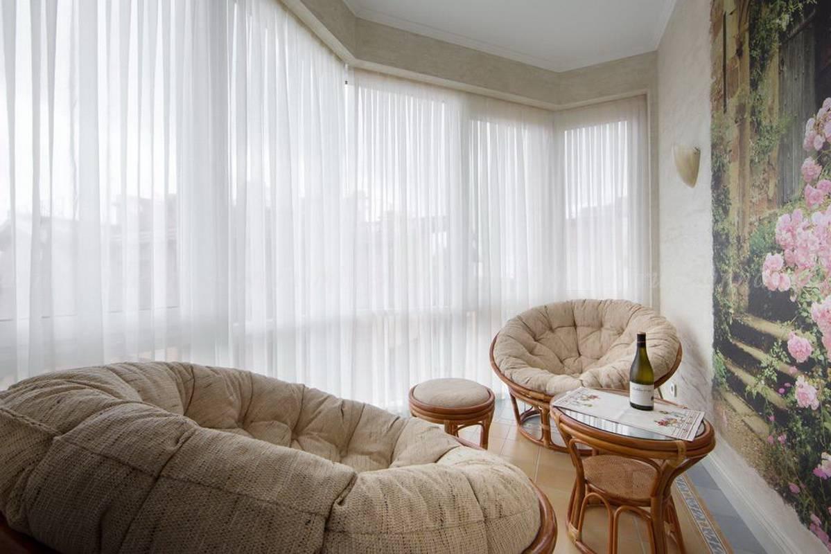 Как сочетать тюль и шторы (80 фото): римские с тюлью поверх, дизайн 2021 для современной квартиры, как подобрать комплект