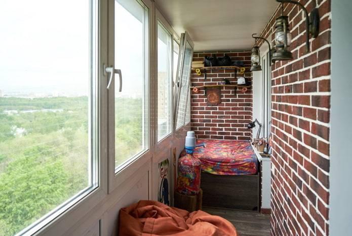 Внутренняя отделка балконов камнем: выбираем натуральный или искусственный