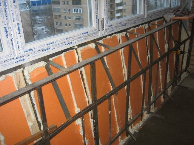 Балкон с выносом своими руками: как увеличить балкон видео инструкция