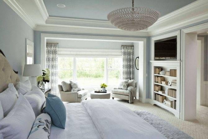 Натяжной потолок белого цвета: варианты использования в интерьере