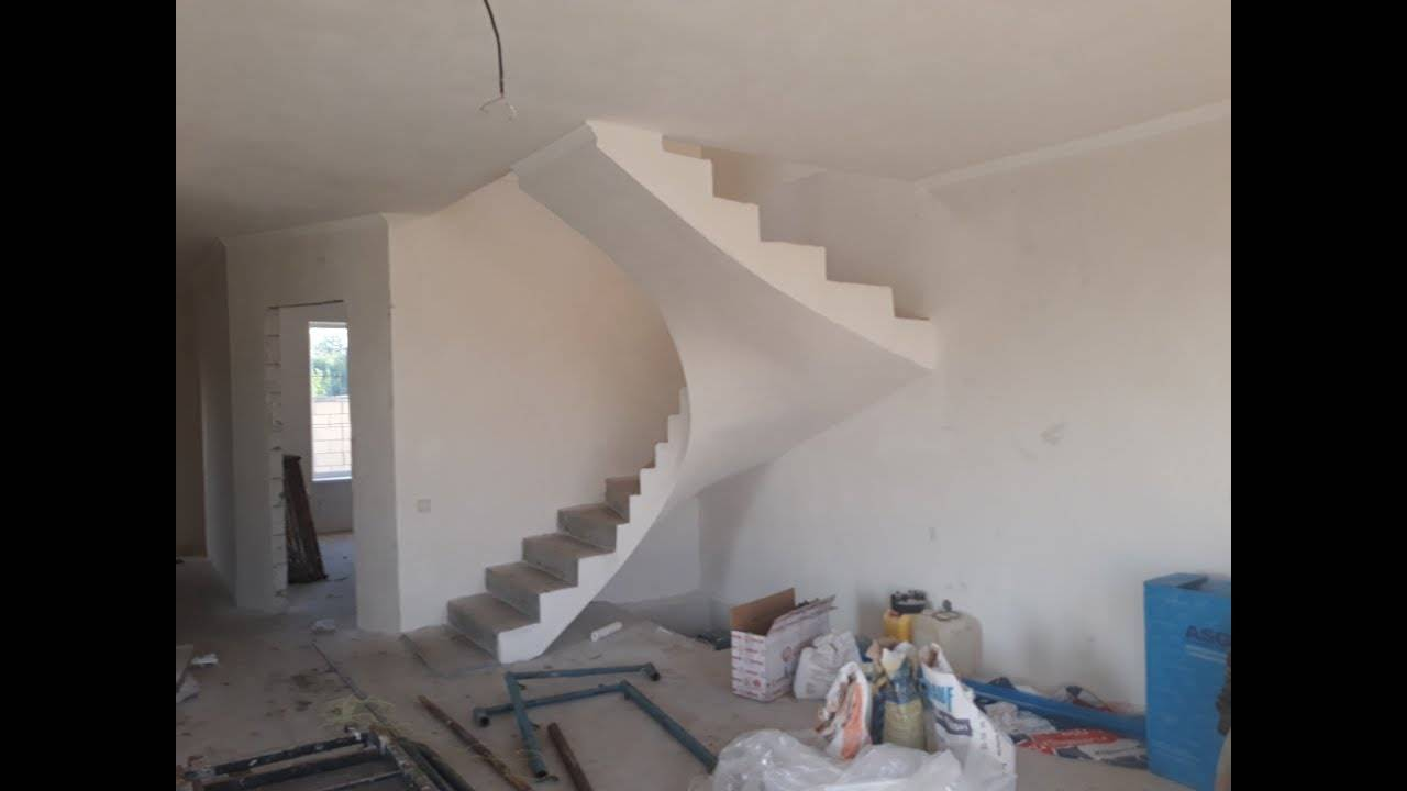 Монолитные лестницы из бетона: важные моменты проектирования, технология строительства и варианты облицовки