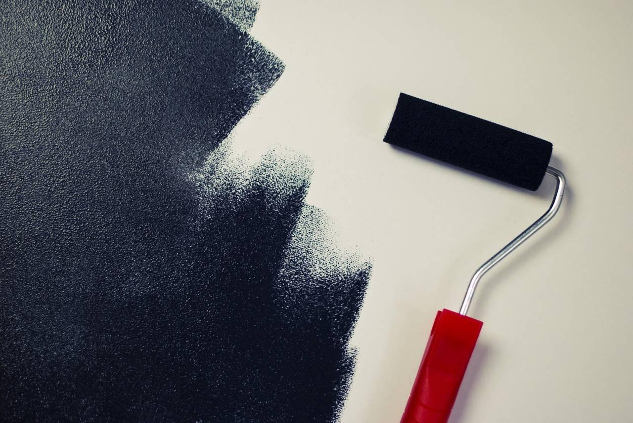 Краска для потолка: какая лучше, как выбрать, водоэмульсионная, вододисперсионная, моющаяся для потолка в квартире, краска для жилых помещений, акрилатная, интерьерная