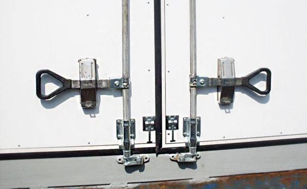 Упор для гаражных ворот от ветра своими руками, как сделать на распашные стопор антиветер