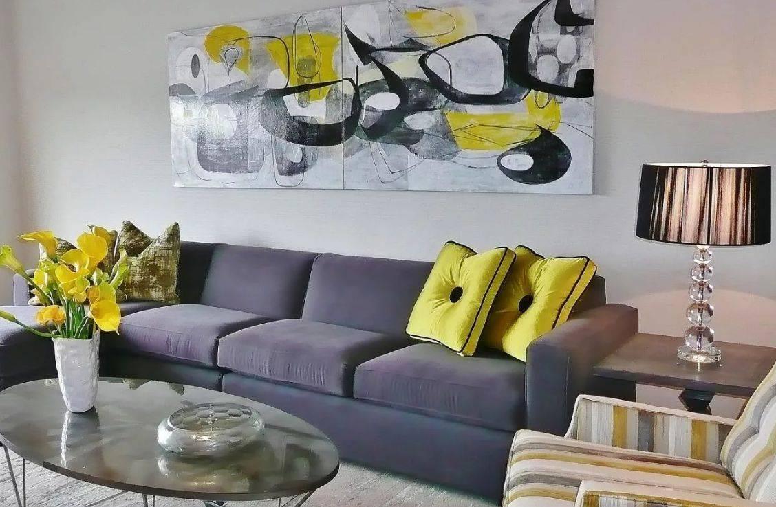 Сочетание цвета штор с обоями в интерьере (90 фото): как подобрать портьеры в зал к мебели и светлым обоям, модные идеи дизайна интерьера для гостиной