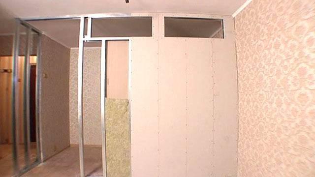 Перегородка из гипсокартона с дверью: постройка проема, двери и установка