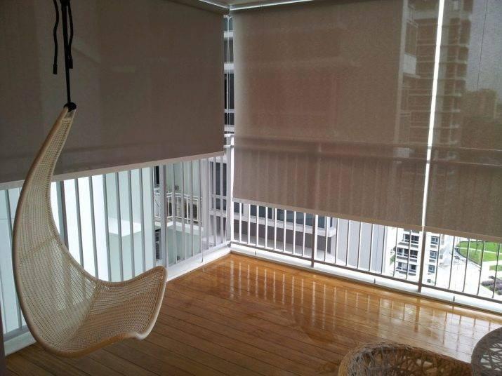 Жалюзи на балкон – инструкции по выбору и установке своими руками разных типов светозащитных элементов