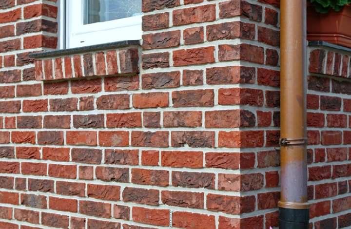 Как правильно облицевать дом и как выбрать фасадный кирпич: советы мастеров