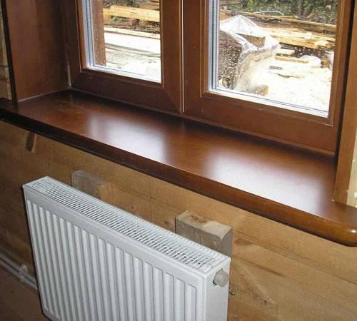 Как установить деревянный подоконник своими руками и обновить старую конструкцию?