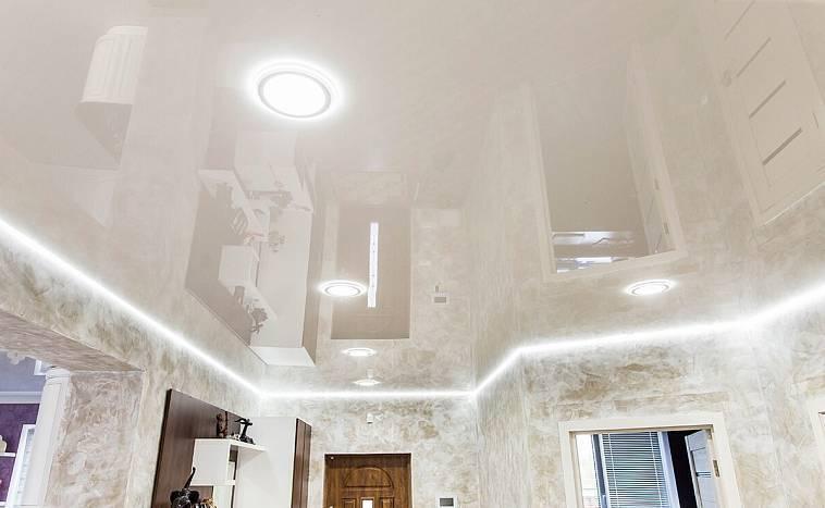 Фиолетовые и сиреневые натяжные потолки в дизайне интерьера