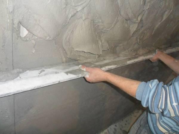 Правило для штукатурки: выбор h-образного и зубчатого инструмента для штукатурных работ, изготовление правила своими руками для отделки стен