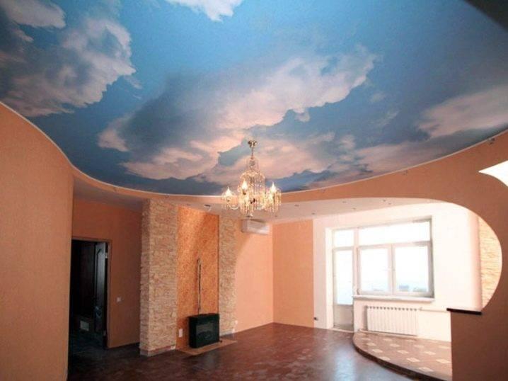 Обои на потолок: 95+ фото в интерьере, современные примеры оформления