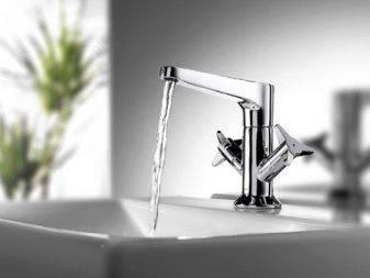 Выбор акриловой и чугунной ванны рока: характеристики и особенности моделей