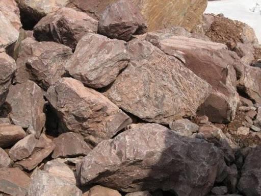 Фундамент из камня ( 21 фото): каменный вариант для дома, кладка природного и дикого материала, фундаментная конструкция с добавлением глины и цемента