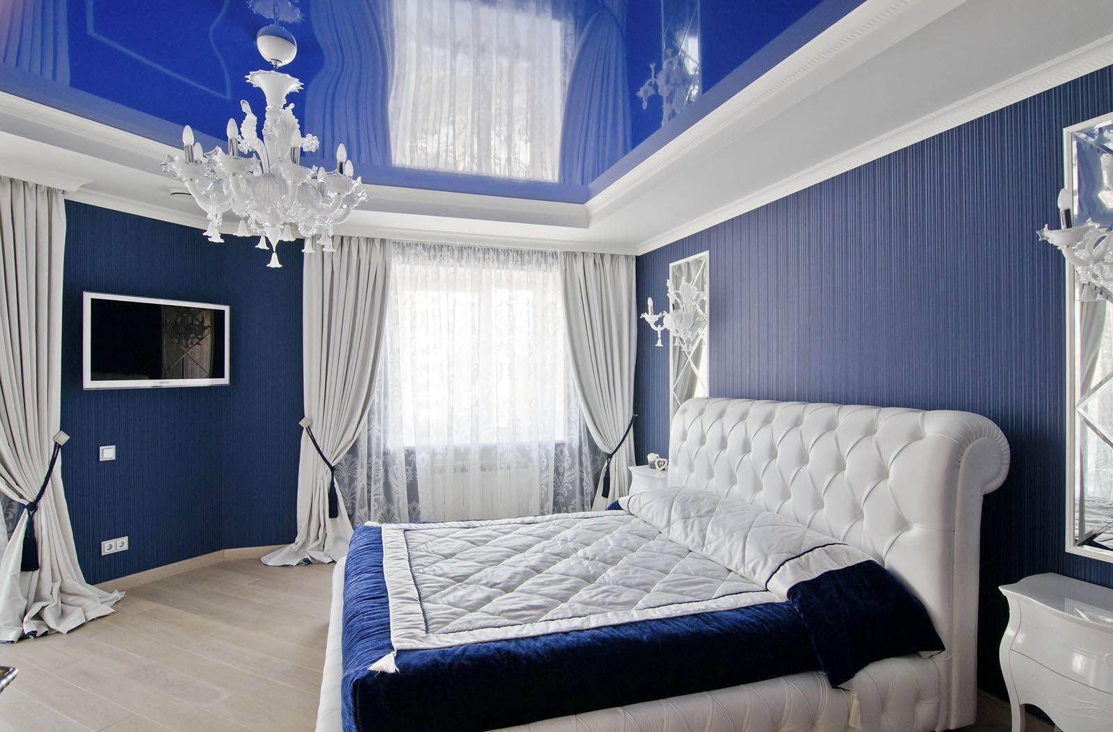 Потолок в спальне (77 фото): какой лучше сделать, красивые варианты-2021 дизайна потолка в интерьере маленькой комнаты