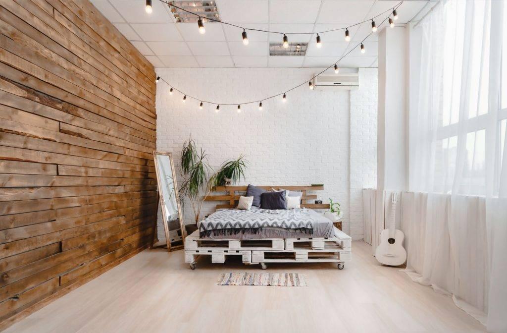 Задаем в спальне тренд на мебель в стиле лофт, изготовив кровать из поддонов своими руками