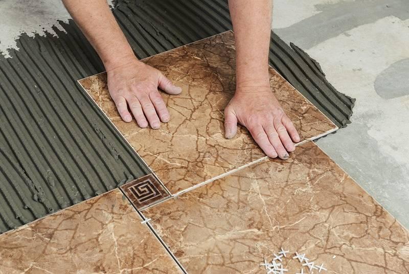 Какие нужны материалы и инструменты для укладки плитки
