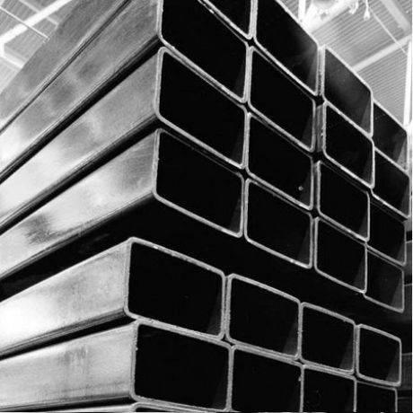Забор для палисадника около дома из металлического профлиста и штакетника: варианты невысоких заборов  - 18 фото