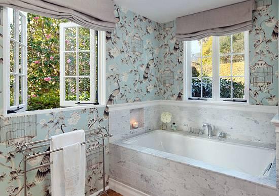 Отделка ванной обоями: современные варианты дизайна, 70 фото
