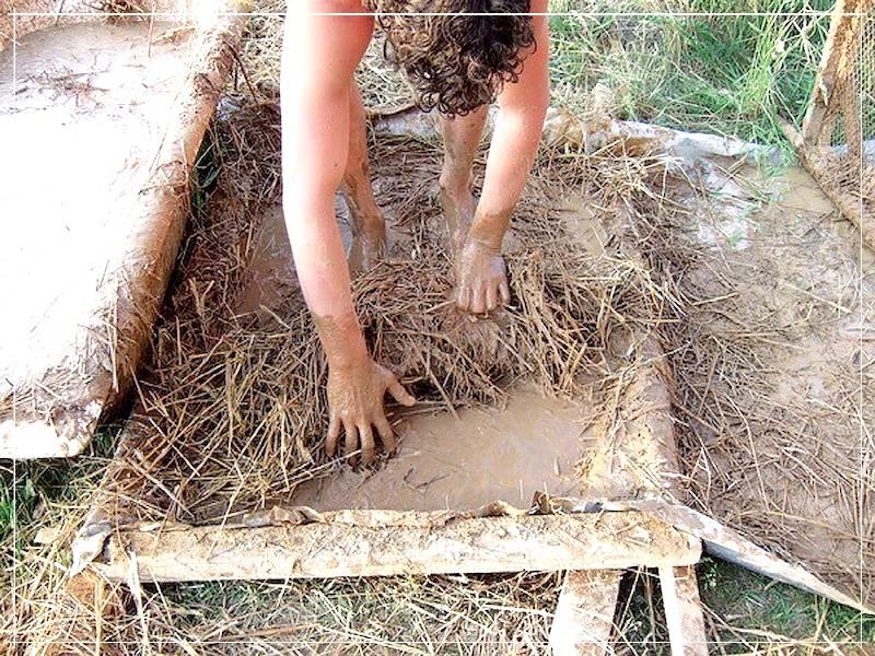 Как построить глинобитный дом своими руками:+видео и технология строительства +фото и варианты отделки дома из глины