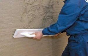 Сначала грунтуют или шпаклюют стены – этапы рабочего процесса