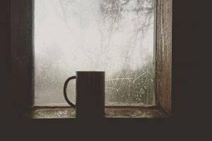 Конденсат на мансардных окнах – причины появления, способы устранения