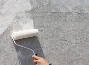 Как выровнять стены под обои своими руками, чем это лучше сделать